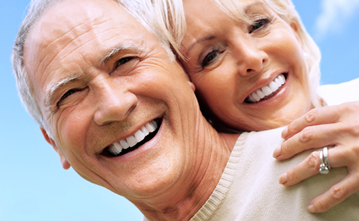dca-blog_a-denture-wearers-guide-to-living-well